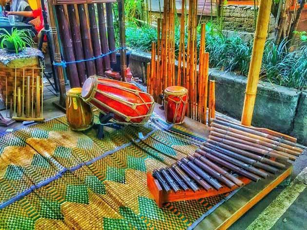 Saung Angklung Udjo Pring