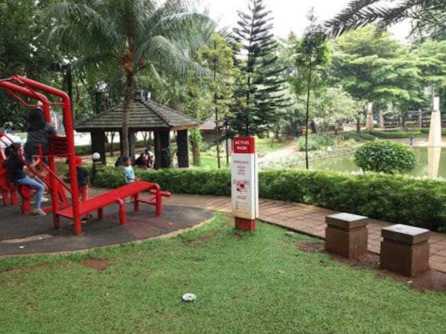 Taman-Ayodya-Duduk