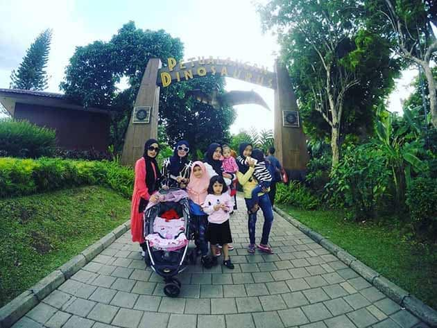 Taman Mini Indonesia Indah Dino