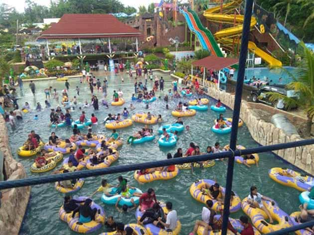 kolam ombak Slanik Waterpark